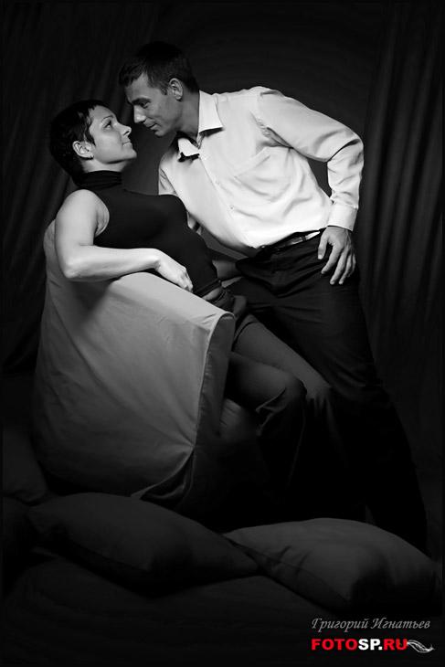 фото обнаженной пары на фотосессии